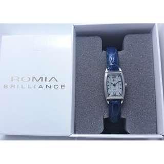 漂亮有形日製ROMIA淺藍貝殼面石英女錶,附錶盒