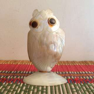 Seashell mother of pearl pen holder Owl