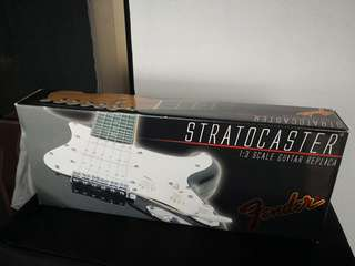 Fender strat large scale display set