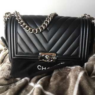 Chanel Boy Chevron Black Calfskin with SHW