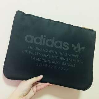 Adidas 電腦袋