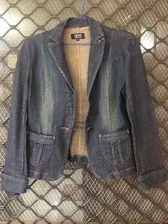 Denim jacket fits small