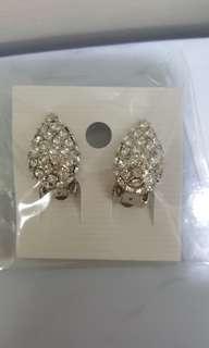 🚚 【全新】夾式耳環