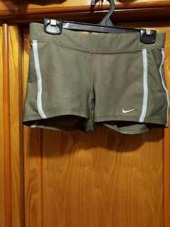 🚚 Nike女性短褲