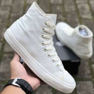 Sepatu Converse Chuck Tayloy II Lunarlon All Star High Off white BNIB ORIGINAL