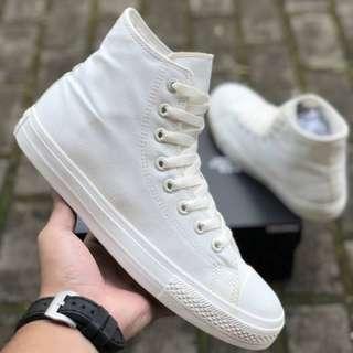 Sepatu Converse Chuck Tayloy II Lunarlon All Star High Off white BNIB ORIGINAL