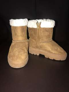 Universal traveller winter boots