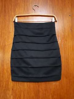 Fitted Back Skirt