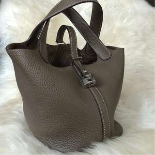 Hermes Picotin 18 in Etoupe Clemence PHW