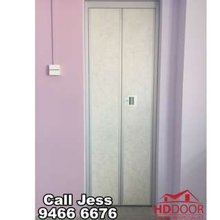 HDDoor the Vi-fold toilet door