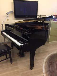 Yamaha grand piano C2
