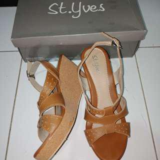 st yves brown wedges