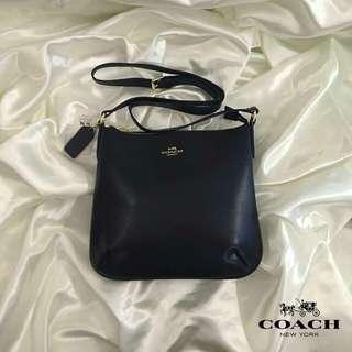 Coach Sling 💕
