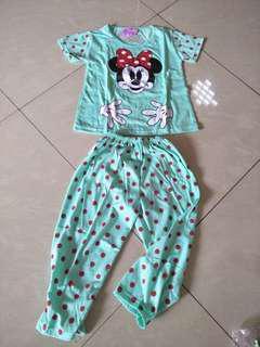 Setalan baju tidur Anak