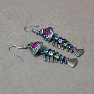 🚚 魚骨造型個性耳環