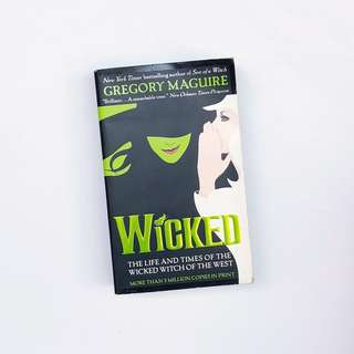🦉 Wicked by Gregory Maguire