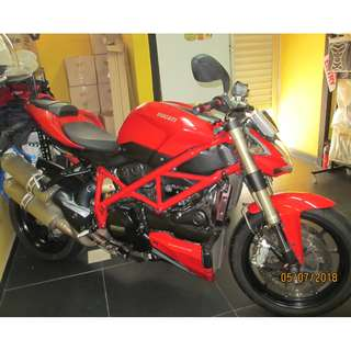 Ducati StreetFighter 849 2012 $14.9k D/P $1500 or $500 Without Insurance  (Terms and conditions apply. Pls call 67468582 De Xing Motor Pte Ltd Blk 3006 Ubi Road 1 #01-356 S 408700.