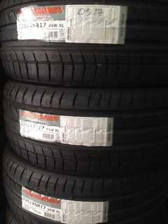 Tyre 225/45/17