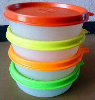 Wadah kecil tupperware warna warni