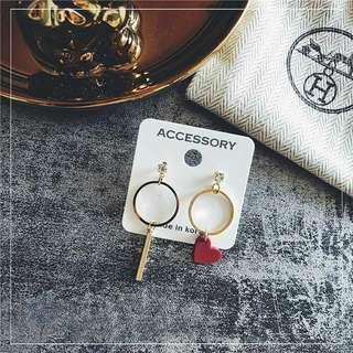 Love assymetry earrings hoop heart
