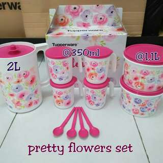 Pretty flowers set tupperware
