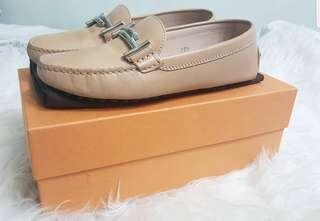 Tod's Gommini T-bar leather loafers in Nude