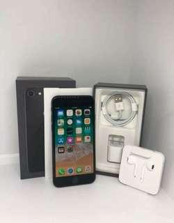 iPhones & Samsung