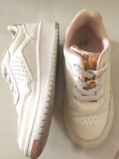 H&m white sport shoe