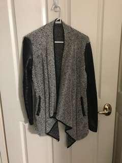 Grey textured waterfall cardigan szM