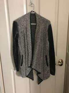 Grey textured waterfall cardigan szM