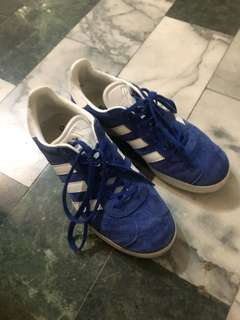 🚚 adidas Gazelle九成新