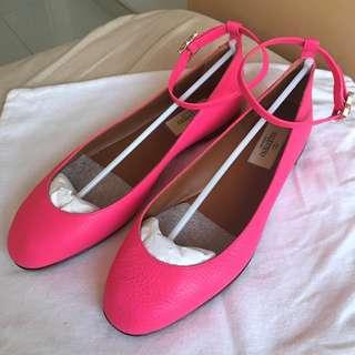 Valentino Garavani   rockstud ballerina flats shoes  ***   Made in Italy  @Size : 37  ***