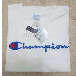 ✧AUTHENTIC✧ Champion T-shirt
