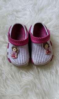 Sepatu Sendal Princess Sofia ungu crocs