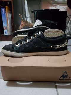 GUESS black & gold chain sneakers