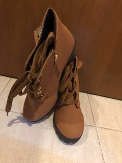 👢: Evidence Of Brown High Cut Ankle Boots Size 39 arrival