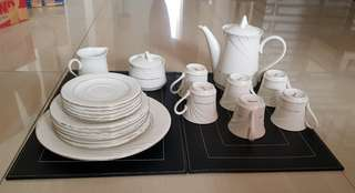 Tea & dining set , total 23 pcs.
