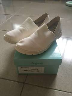 🚚 Bonjour 萊卡休閒鞋 白
