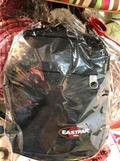 EASTPAR 美國名牌 斜孭袋 ( 型男女合用 )罕有、全新