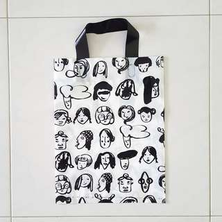 Plastic carrier bag (Facial expression)