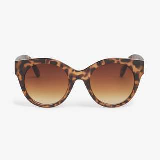 Monki Leo shades *Very Trendy*