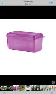 Tupperware bread server purple (1)