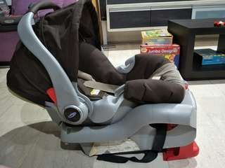 Graco baby carseat and carrier