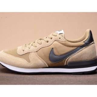 Nike Internationalist Retro Low-Tops (Brown