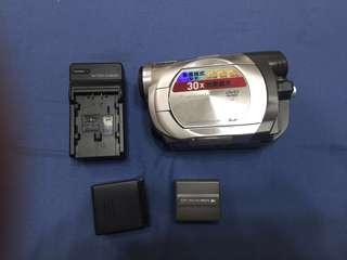 🚚 Panasonic  VDR-D200GT  DV8手持攝影機