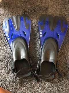 Snorkeling fins/flippers