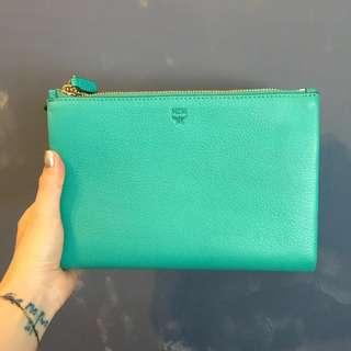 🚚 🇩🇪德國精品MCM🇩🇪Milla bag 三層牛皮Tiffany綠雙拉鍊斜側背小包