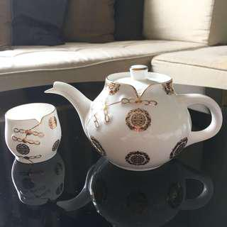Double Happiness Collectable Teapot & cups set