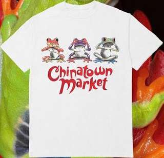 THE CHINATOWN MARKET UV Frog T-Shirt