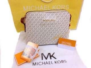 Mk bag Sling Authentic overrun